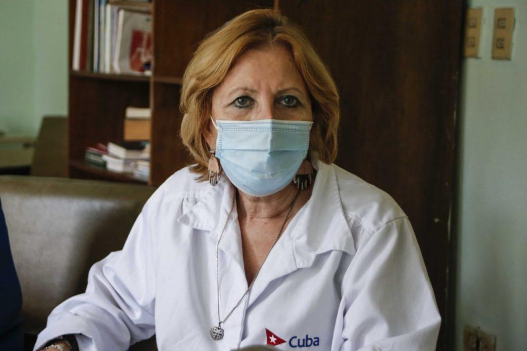 Doctora María Guadalupe Guzmán Tirado, jefa del Centro de Investigación, Diagnóstico y Referencia del Instituto de Medicina Tropical Pedro Kourí (IPK).