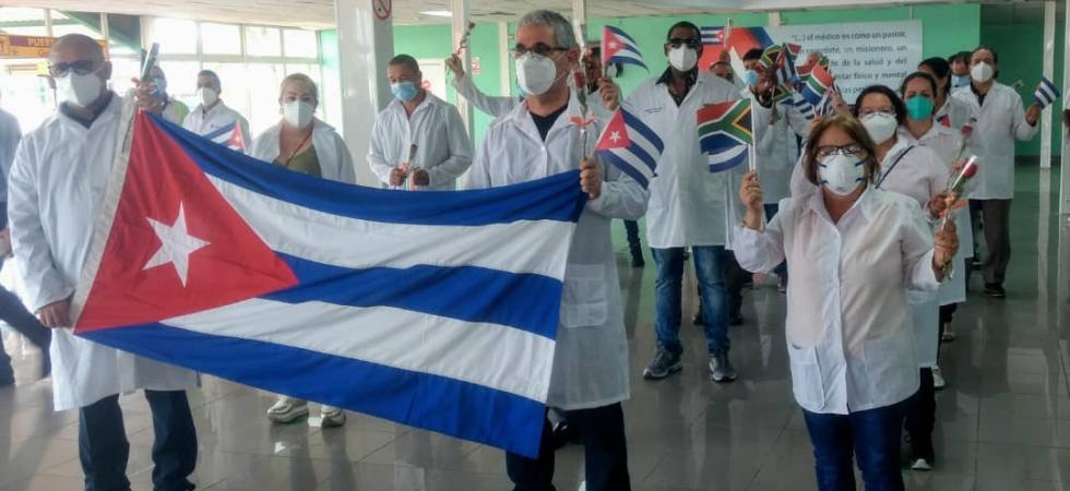 Regresan a Cuba colaboradores de la salud tras enfrentar la COVID-19 en Sudáfrica