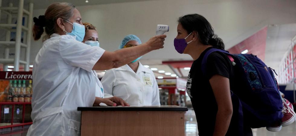 En vigor medidas para viajeros cubanos ante aumento de casos importados de COVID-19